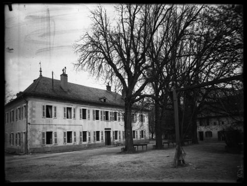 Veyrier, chemin de la Fléchère: château