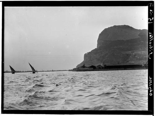 Gibraltar en vue, et arrivée, vu du sud