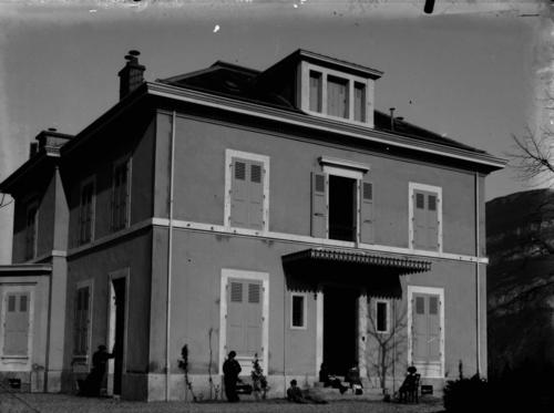 Petit-Veyrier, domaine Long: la maison