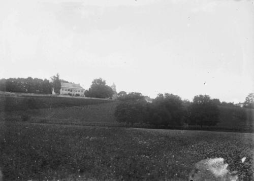 Veyrier, l'église et l'hôtel-pension Truchot (ancien château) vus du nord
