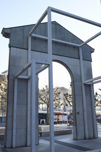 Genève, rue Necker: vue arrière de la porte de l'ancien panorama de Plainpalais