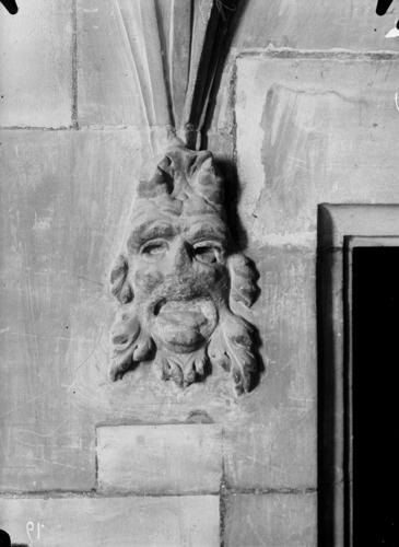 Genève, Hôtel de Ville: pierre sculptée (tête)