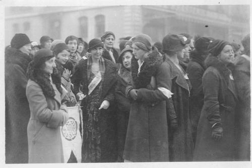 Genève, semaine de la Paix: manifestation de l'Union mondiale de la Femme pour la Concorde