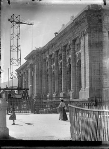 Genève, rue Charles-Galland: le Musée d'art et d'histoire en construction, façade principale