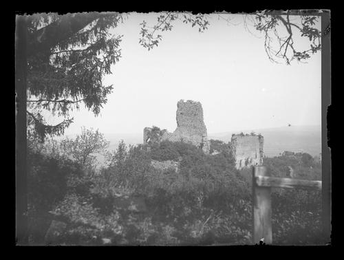 Haute-Savoie, les Allinges: ruines du Château-Vieux