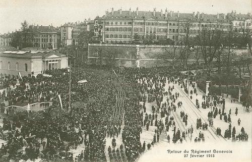 Genève, place de Neuve: retour du régiment genevois le 27.02.1915