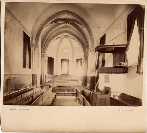 Satigny, route de Champvigny: le temple vue de l'intérieur avant restauration en direction du choeur