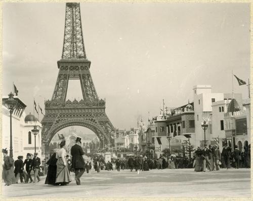 Paris, souvenirs de l'exposition universelle: la tour Eiffel