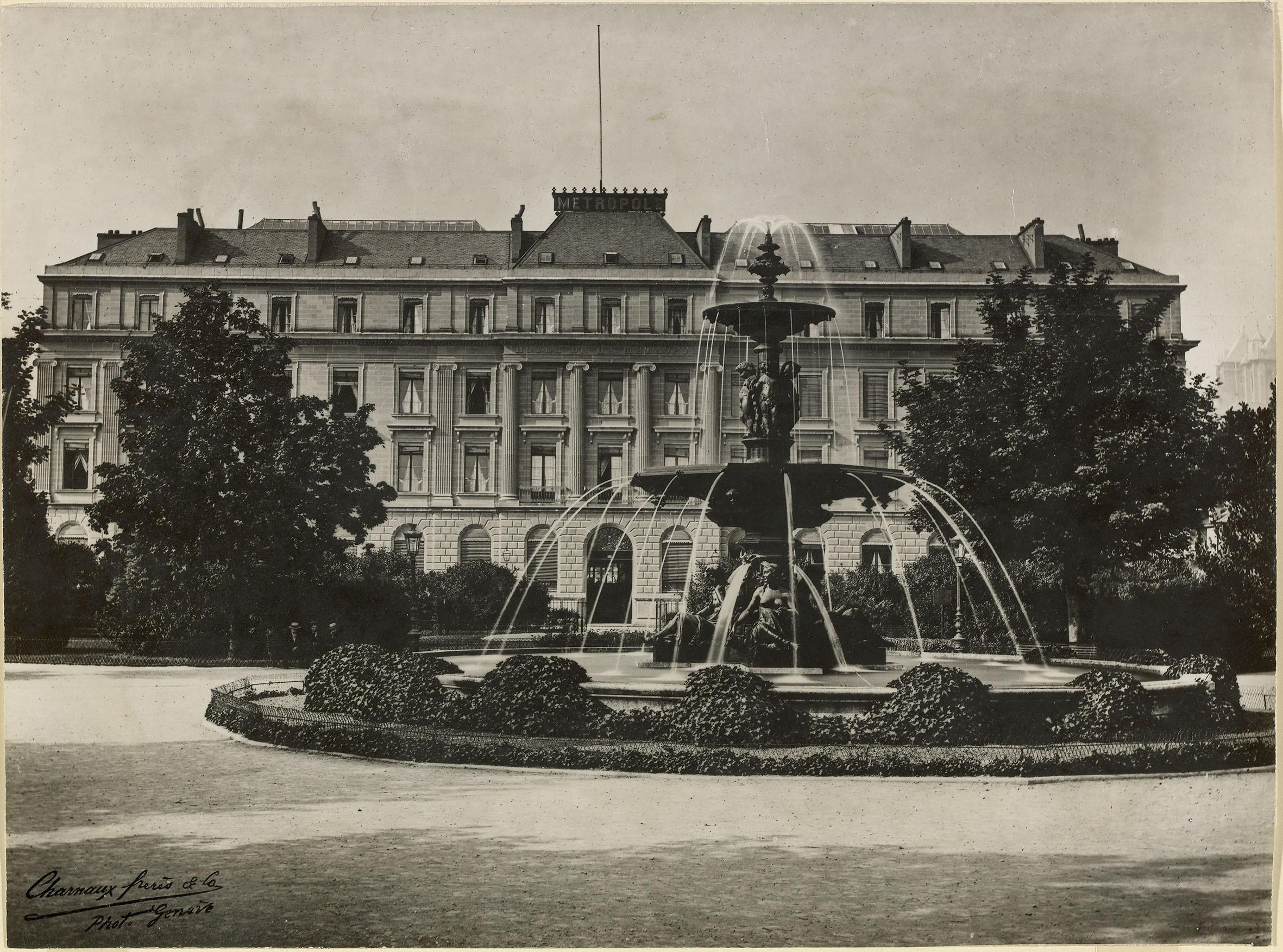 Genève, jardin Anglais: vue de la fontaine - Notre Histoire