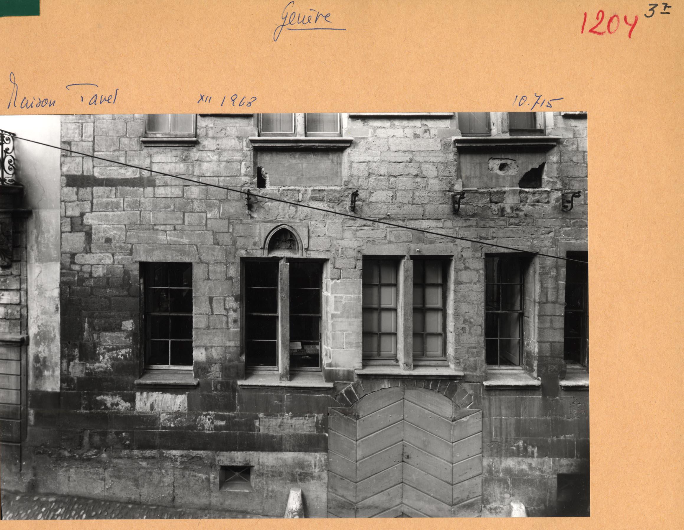 Genève, rue du Puits-Saint-Pierre: maison Tavel