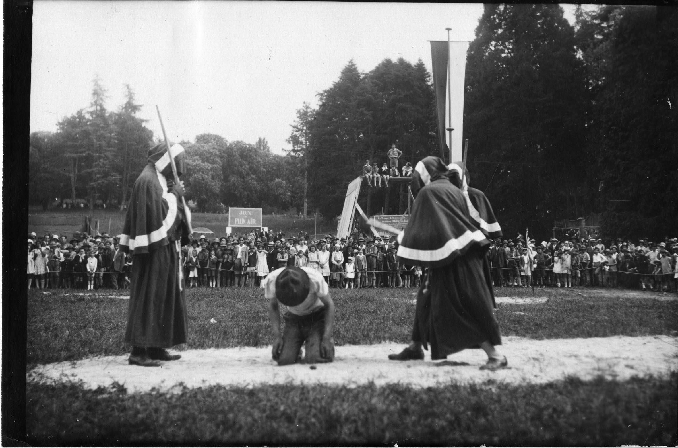 Scoutisme, fête des éclaireurs genevois au parc des Eaux-Vives